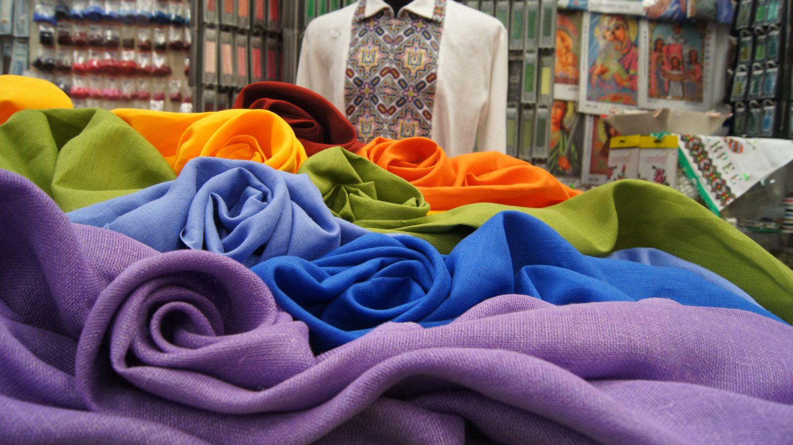 Украинские производители остались без тканей – выпуск одежды останавливается