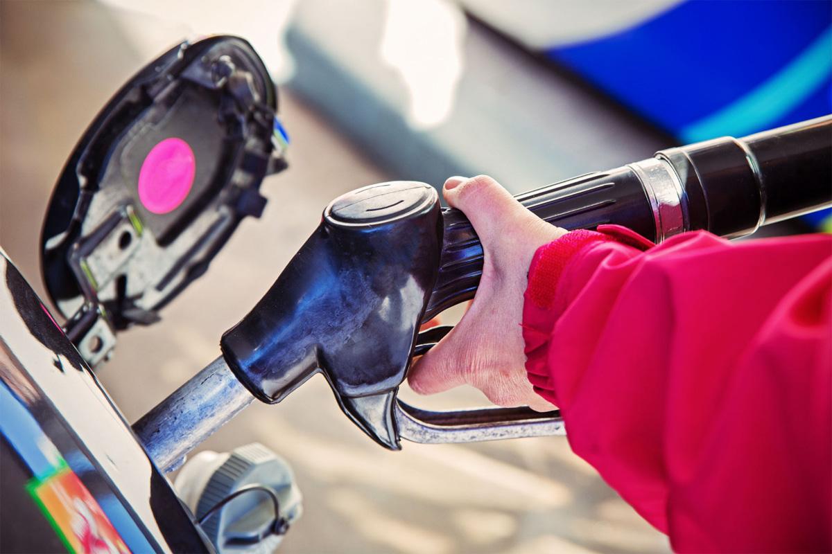 В феврале топливо на АЗС может подешеветь