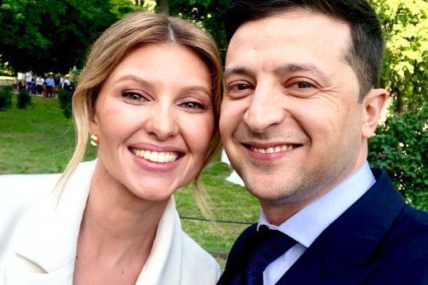 Підготовка до інавгурації: жінка Зеленського поправила йому краватку, а він зробив селфі