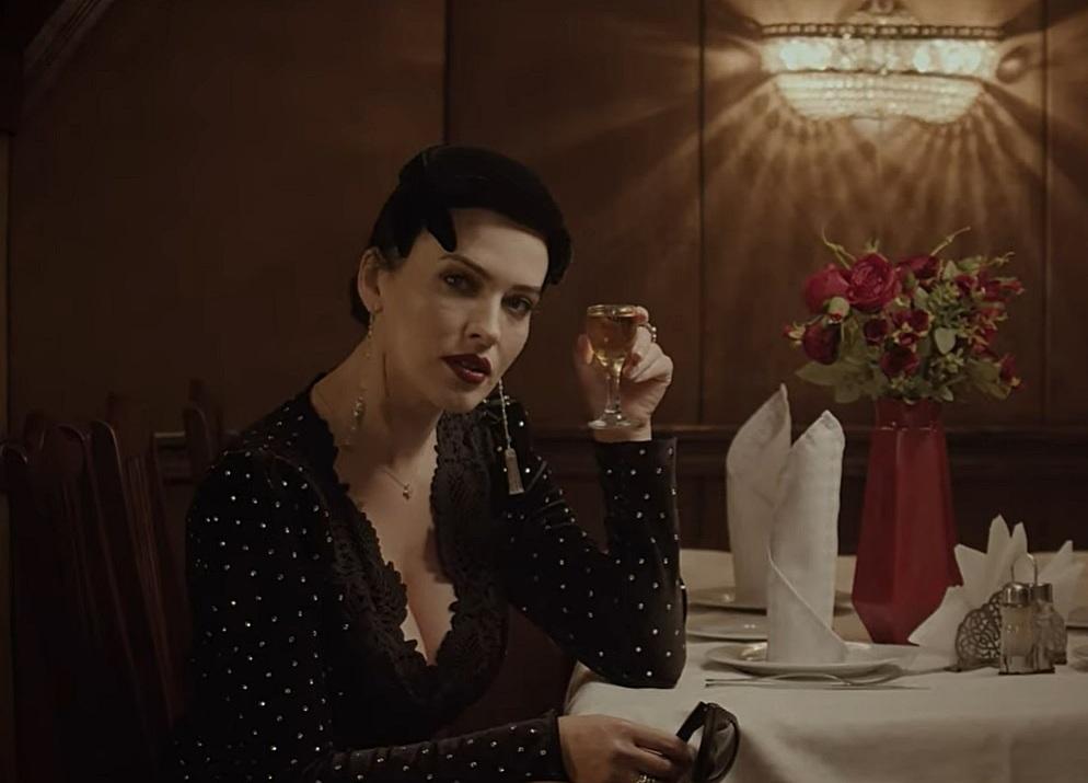 Певица Даша Астафьева выпила в столичном Доме кино