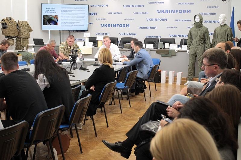 Бронежилети якої якості отримують українські військовослужбовці у зоні АТО