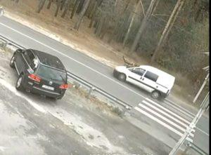 Под Киевом авто сбило 9-летнюю девочку: видео аварии