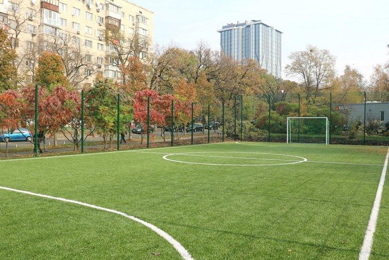На Соломенке обустроили новое футбольное поле