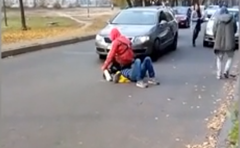 Пьяный мужчина обстрелял женщину из травмата