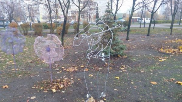 В парке Позняки «поселился» мужчина со скрипкой