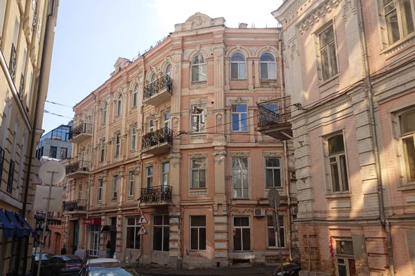 Как в Украине защищают право собственности на жилье – поучительная история в трех актах