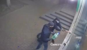 Пожары в магазинах Киева: собственник опубликовал видео поджога