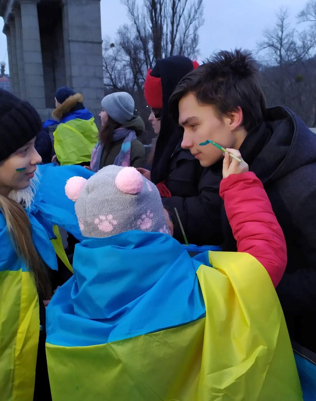 В Киеве Берега Днепра объединили живой цепью