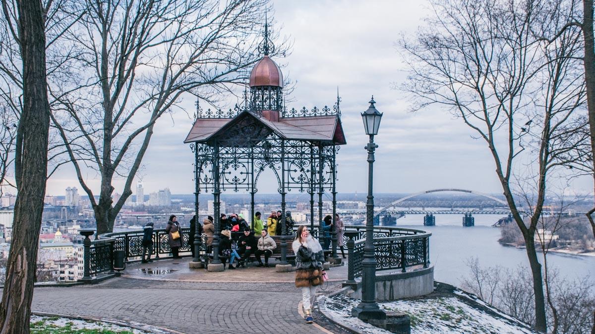 На Андреевском спуске отремонтируют Кокоревскую беседку