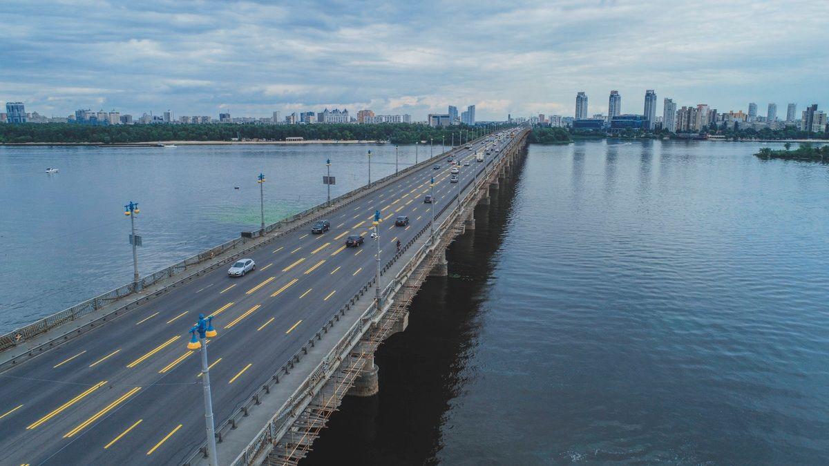 По мосту Патона ограничат движение