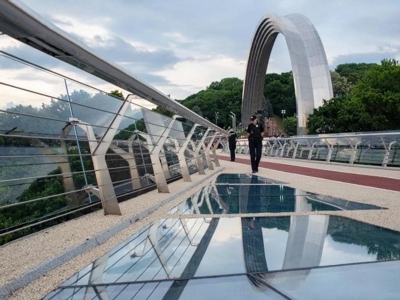 Кличко признался во сколько киевлянам обошелся «стеклянный» мост